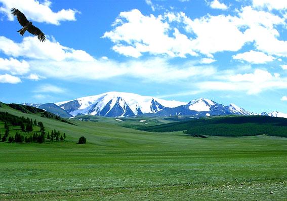 Гора Монгун-Тайга 3976м
